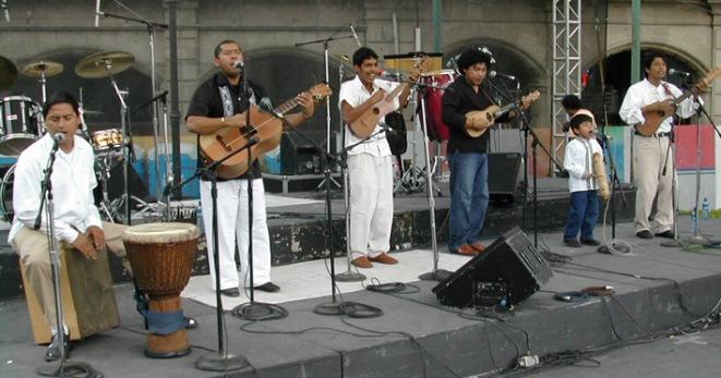 Los Cojolites, en el Zócalo de la Ciudad de México